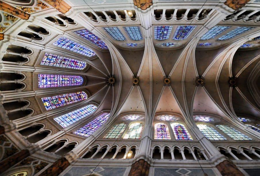 Chartres au fil des mois