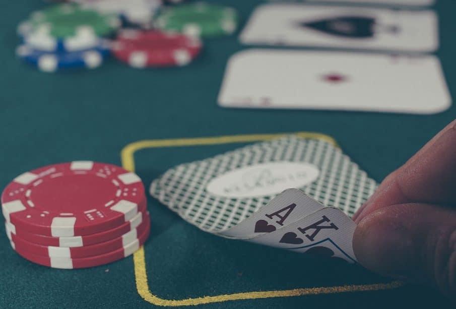 Phil hellmuth, maître incontesté du poker en ligne